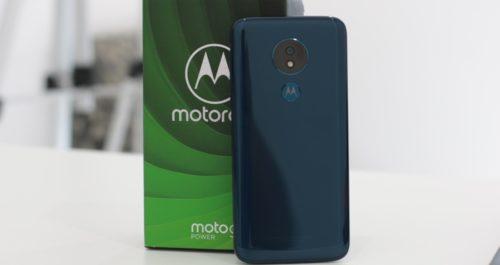 Smartphone Moto G7 com embalagem.