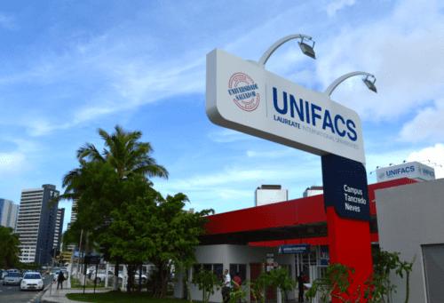 Campus da universidade Unifacs.